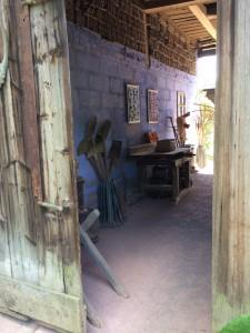 33 Passage du bûcher avec carrelages / Butcher passage with tiles